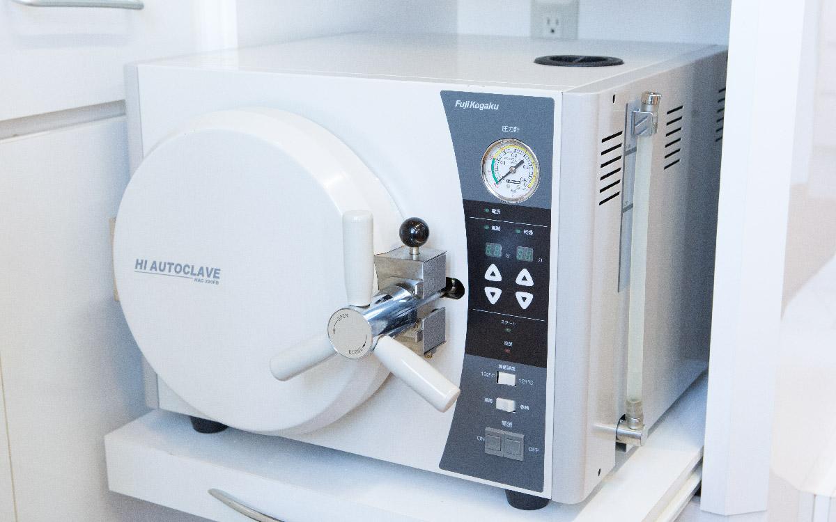 IMG:高圧蒸気滅菌機(オートクレーブ)