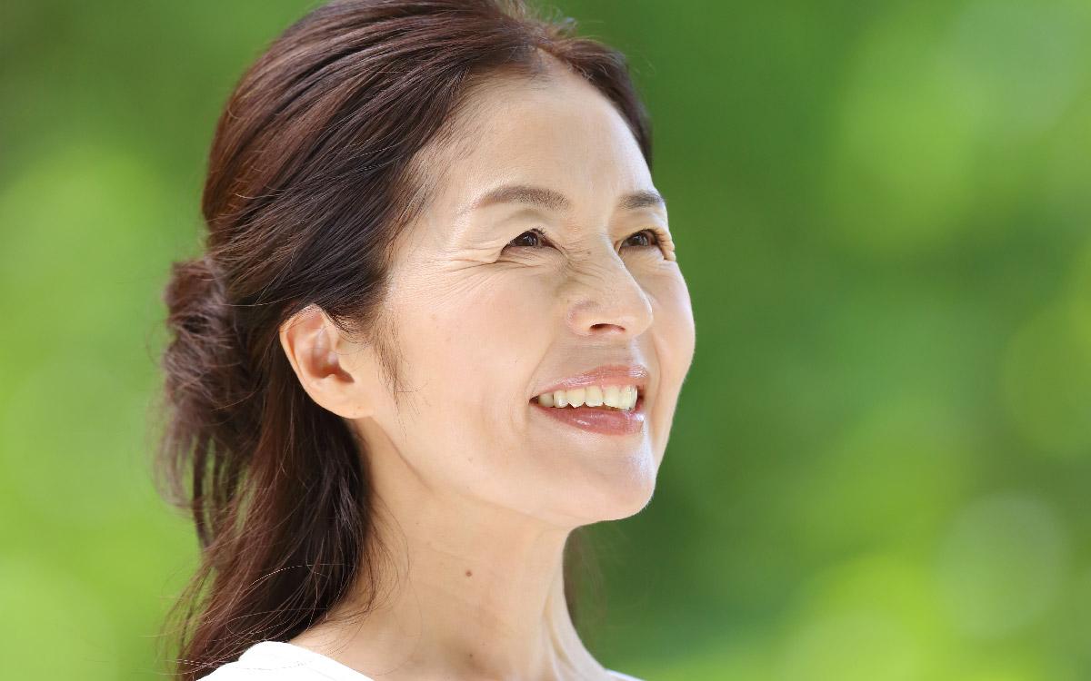 画像:自信を持った笑顔で前向きな人生を過ごしたい